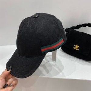 ✨NWT Gucci black baseball cap with no lettering